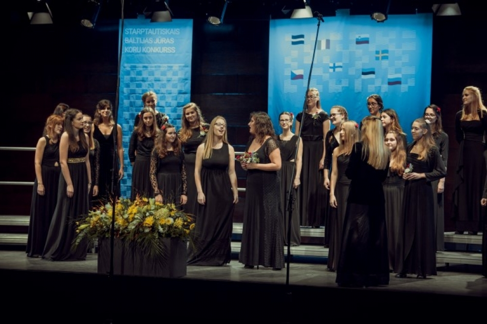 Girls Choir of the Koper Music School groepsfoto